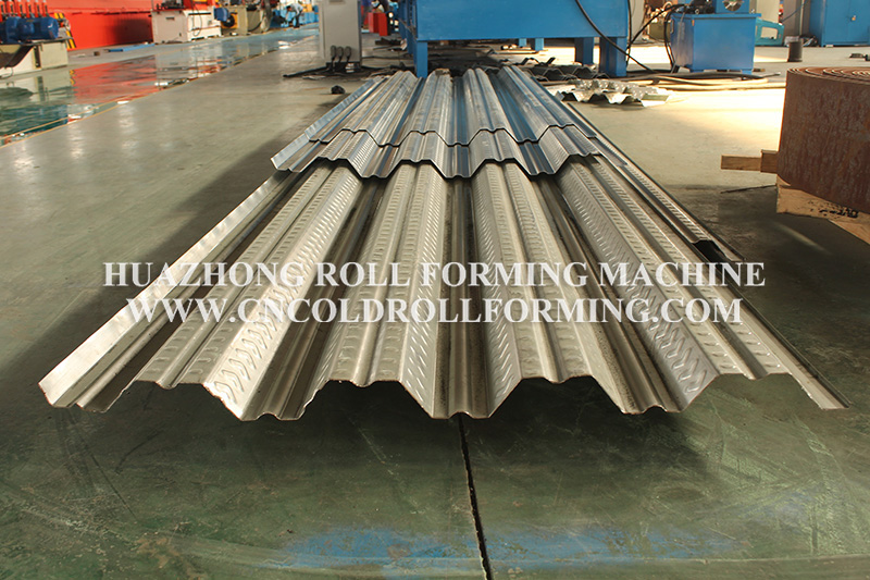 DECKING PLATE ROLL FORMING MACHINE